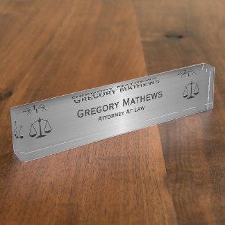 弁護士の管理の机の名札 デスクネームプレート