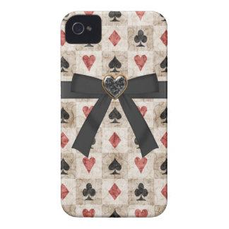 弓及び黒い宝石のハートのカードスーツ Case-Mate iPhone 4 ケース