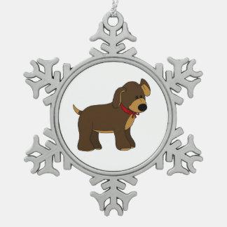 弓雪片のオーナメントを持つかわいい子犬 スノーフレークピューターオーナメント
