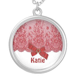 弓、レース及び宝石のネックレスのイニシャル、名前、ロゴ シルバープレートネックレス