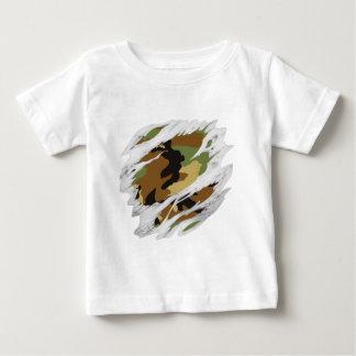 引き裂かれた肉の迷彩柄 ベビーTシャツ