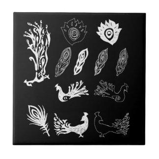 引く孔雀または鳥羽-黒板の一見 タイル