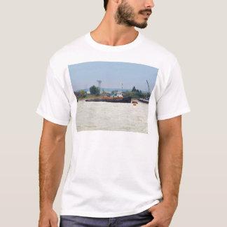 引っ張りの銀製のビーム Tシャツ