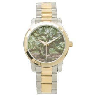 強くおよびはっきりした 腕時計