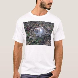 強大な虫のハンター Tシャツ