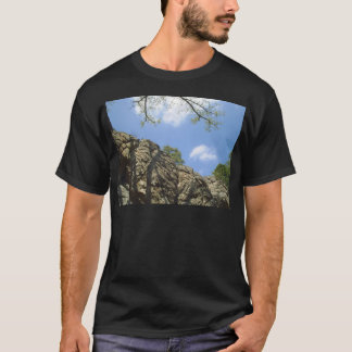 強盗の洞窟 Tシャツ