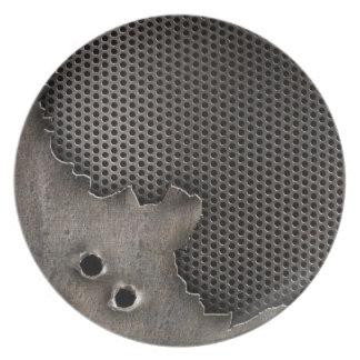 弾痕の背景が付いている金属 プレート