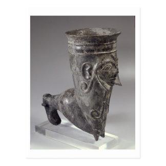 彫刻が施されたの足の形のBuccheroの容器 ポストカード