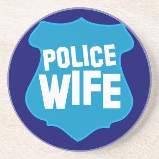 役人のバッジの盾を持つ警察の妻 コースター