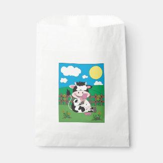 彼のお気に入りのな御馳走が付いているかわいいベビー牛漫画 フェイバーバッグ