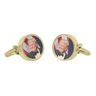 彼の就任式のドナルド・トランプ大統領 ゴールド カフスボタン