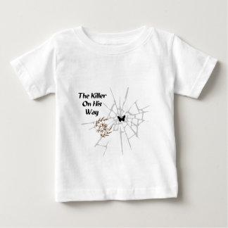 彼の方法のキラー ベビーTシャツ