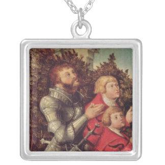 彼の2人の息子を持つ騎士のポートレート シルバープレートネックレス