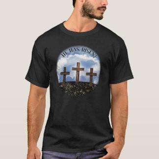 彼は3つの険しい十字立上がりました + ジョンの3:16 Tシャツ