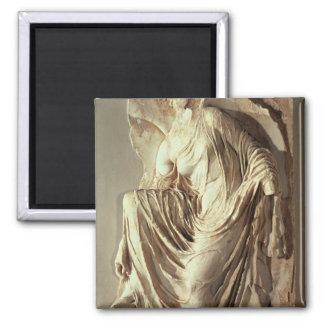 彼女のサンダル、c.420-420を紀元前に調節するアテーナーのナイキ マグネット