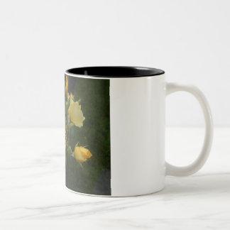 彼女のマグのために素朴な黄色バラの花のboho ツートーンマグカップ