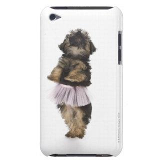 彼女の後ろ足のチュチュのヨークシャーテリアpooの子犬 Case-Mate iPod touch ケース