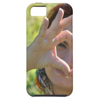 彼女の手を搭載するハートの形を作っている女性 iPhone SE/5/5s ケース
