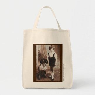 彼女の犬の食料雑貨の戦闘状況表示板を持つEdwardianの女の子! トートバッグ