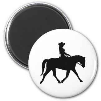 彼女の馬に乗っている女性のカーボーイ マグネット