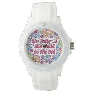 彼女は彼女をできました白いケイ素の腕時計信じました 腕時計
