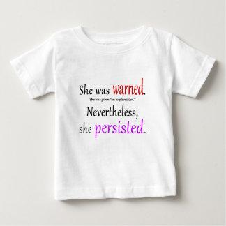 彼女は警告された文字でした ベビーTシャツ