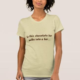従ってこのチョコレート・バー…チョコレート恋人のTシャツ Tシャツ