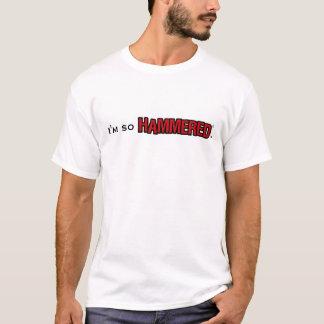 従って槌で打たれる-人 Tシャツ