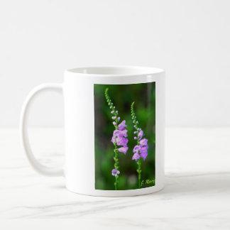 従順な植物の花 コーヒーマグカップ
