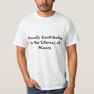 得意気に未成年者のティーの読み書き能力に貢献します Tシャツ