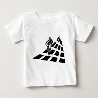 循環の抽象芸術 ベビーTシャツ