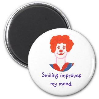微笑する幸せなピエロの顔は私の気分を改善します マグネット