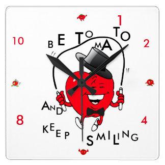 微笑のトマトのよい気分時計を保って下さい スクエア壁時計