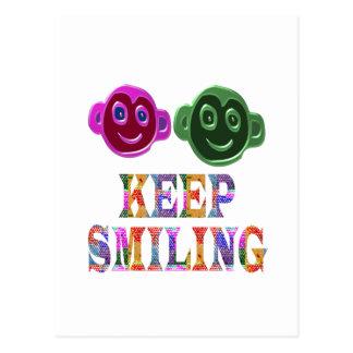微笑を保って下さい: 芸術的な文字nの顔 ポストカード