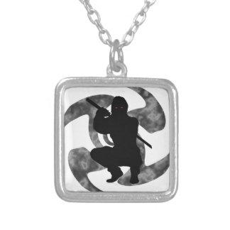 忍者の影 シルバープレートネックレス