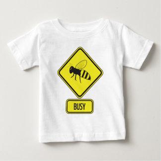 忙しい乳児 ベビーTシャツ