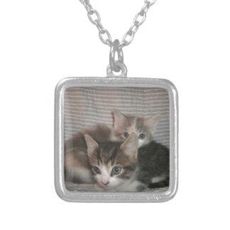 快活な猫ちゃん シルバープレートネックレス