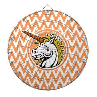 怒っているユニコーン; オレンジおよび白いシェブロンは縞で飾ります ダーツボード
