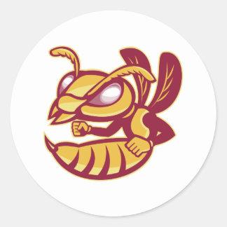 怒っている女性のスズメバチのマスコット ラウンドシール