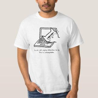 怒っている猫は注意を要求します Tシャツ