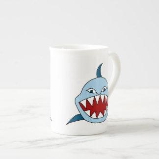 怒っている鮫 ボーンチャイナカップ