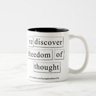 思考の自由を再発見して下さい ツートーンマグカップ