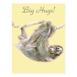 """怠惰、お母さんの抱きしめる""""大きい抱擁""""を持つベビー ポストカード"""