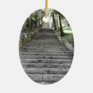 急な一続きの階段 セラミックオーナメント