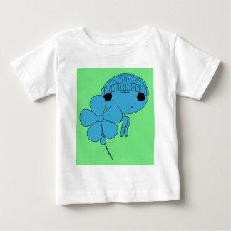 恋人の男の子(青い体、緑の背景) ベビーTシャツ