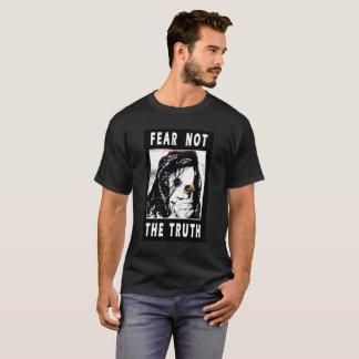 恐れない真実の基本的な黒人男性のTシャツ Tシャツ
