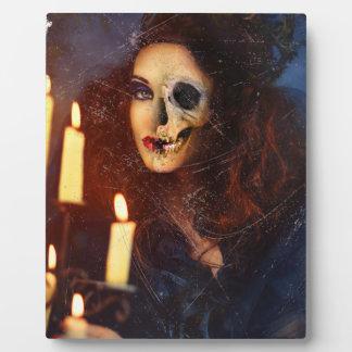 恐怖女の子の蝋燭の変種の気色悪い恐怖 フォトプラーク