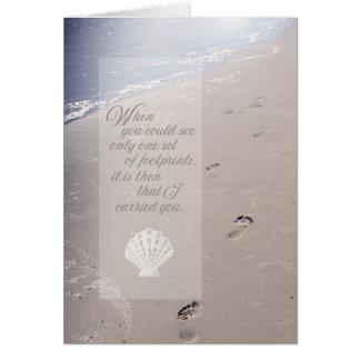悔やみや弔慰のビーチの足跡 の帆立貝の貝殻 カード