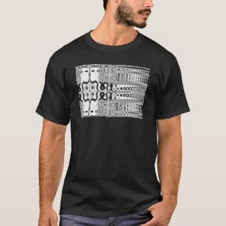 悔やみや弔慰の黒く及び白いフラクタル Tシャツ