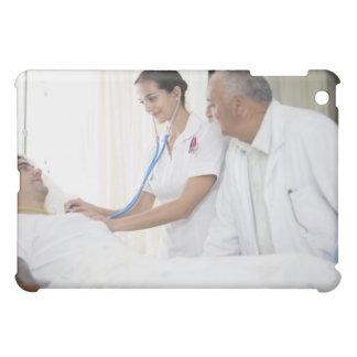 患者にがちである医者およびナース iPad MINIケース